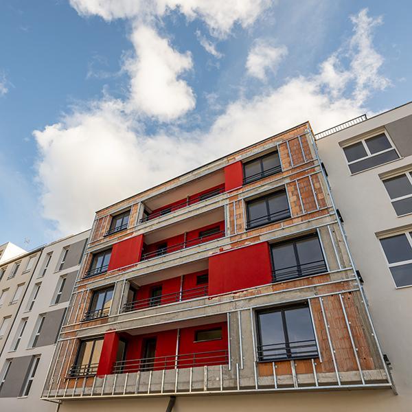 façade moderne rouge